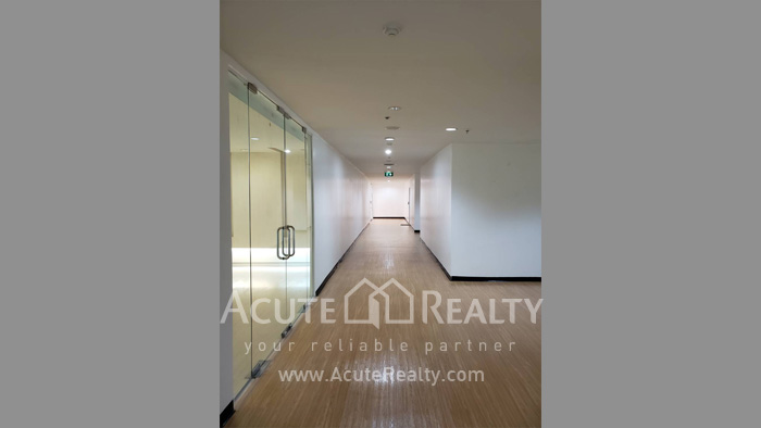 Office Space  for sale & for rent Petchaburi Road image8