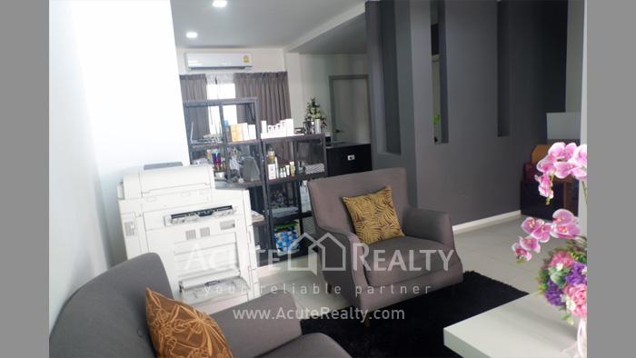 联排别墅  for rent San Phak Wan image4