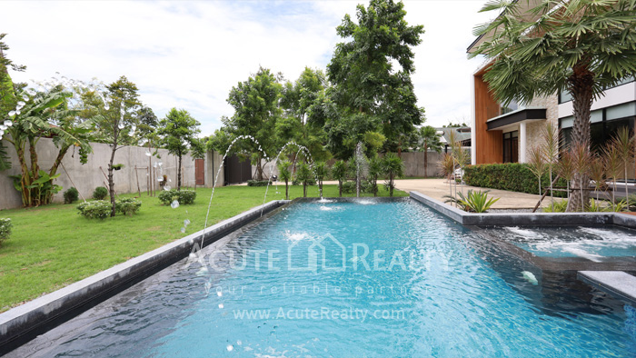 House  for sale Tiwanon road image14