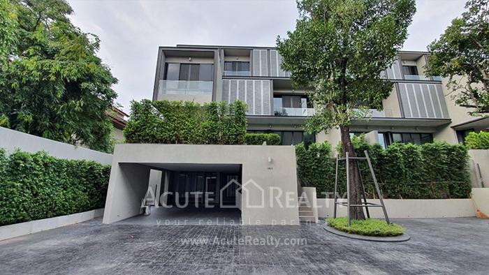 House  for rent Ekamai image0