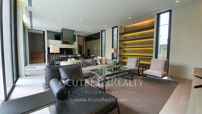 House  for rent Ekamai image5