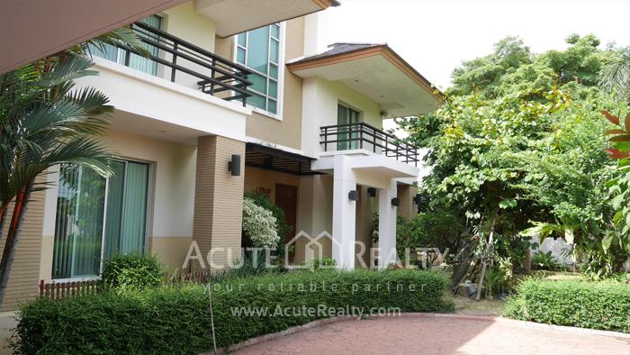 House  for sale Ramkamhaeng Rd image3