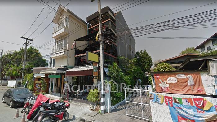 店屋  for sale Phra Sing image0