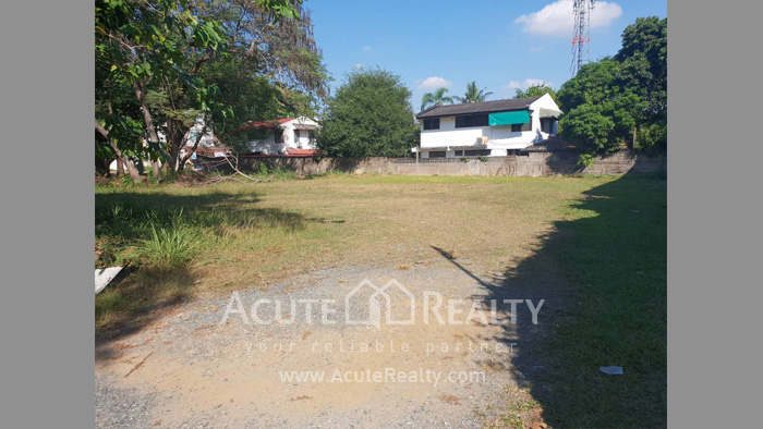 Land  for sale Chang Phuak image3