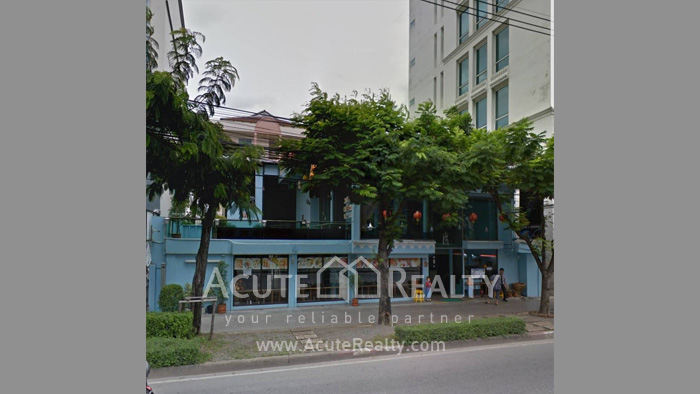 shophouse-showroom-for-rent