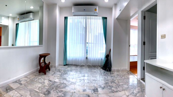 condominium-for-sale-sathorn-house