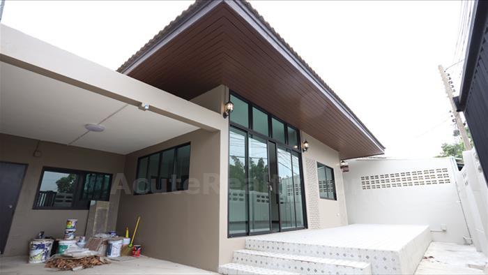 房屋-家庭办公室-出售