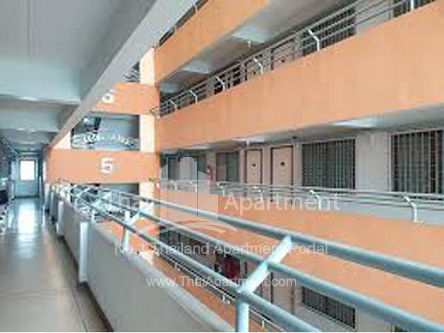 Manus Mansion 2 image 3
