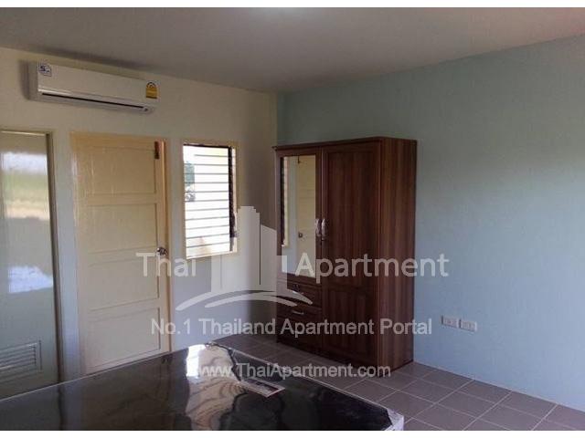 Charoentham Apartment image 2