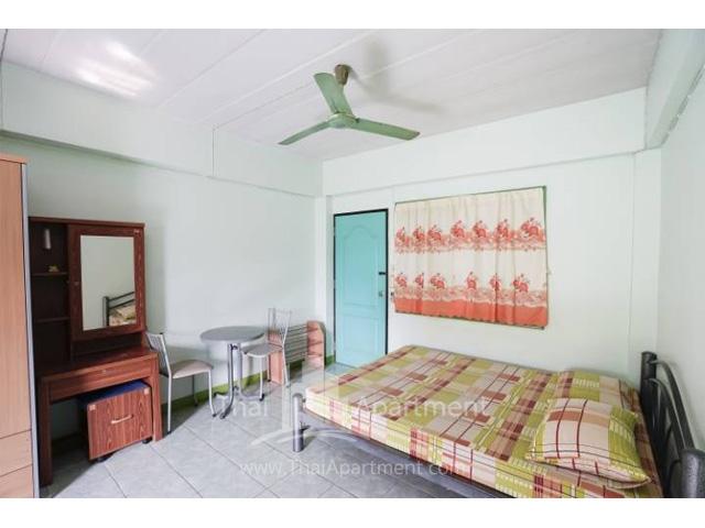 CS Apartment image 2