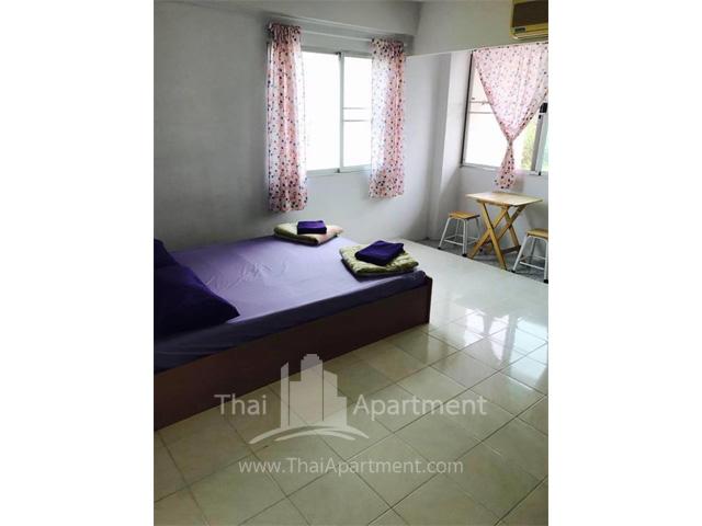 44 Place Apartment image 4