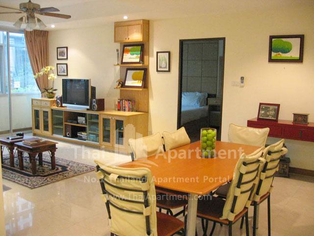 Serena Sathorn Apartment image 1