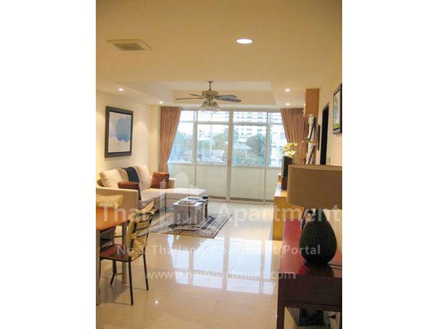 Serena Sathorn Apartment image 2