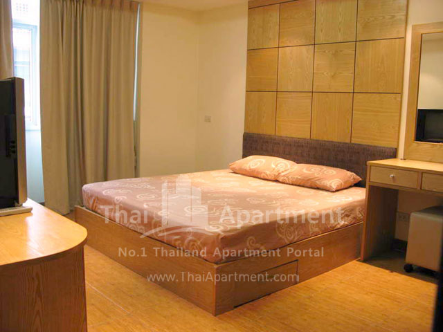 Serena Sathorn Apartment image 4