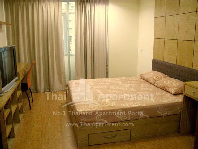 Serena Sathorn Apartment image 6