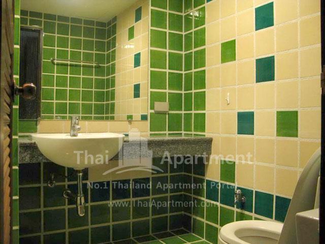 Serena Sathorn Apartment image 8