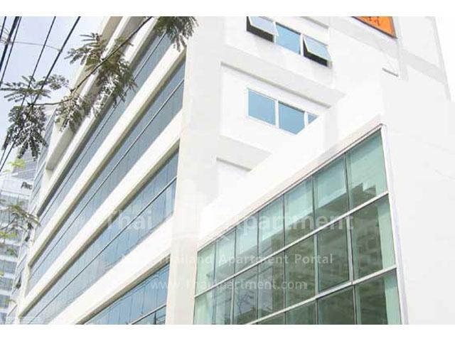 Serena Sathorn Apartment image 11