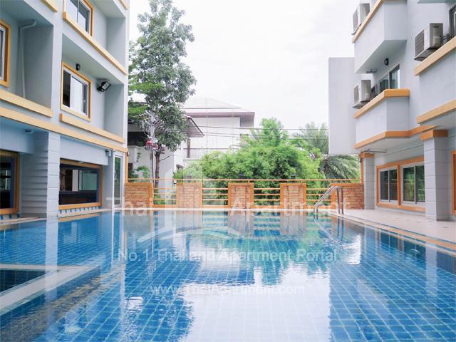 Tulip Apartment image 3