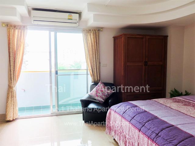 Tulip Apartment image 5
