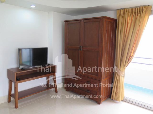 Tulip Apartment image 8