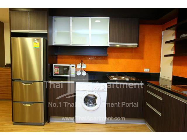 Tropical Langsuan Service Apartment image 4