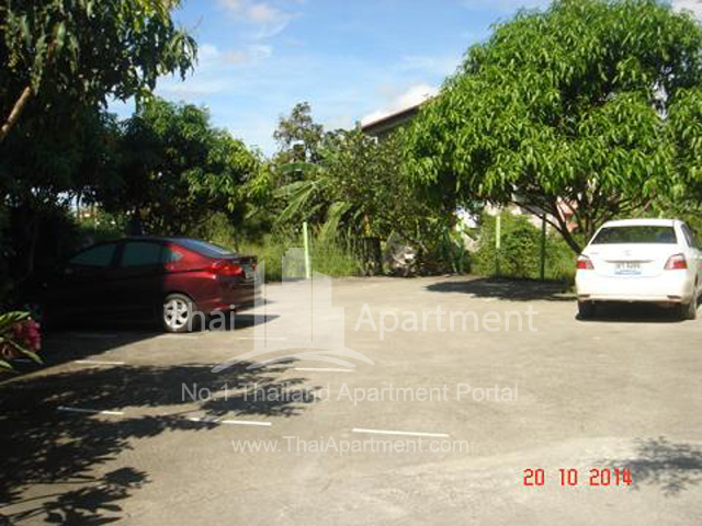 Crystal View Apartment image 8