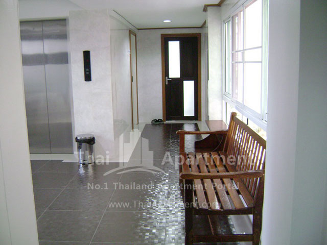 ESCAP Apartment image 6