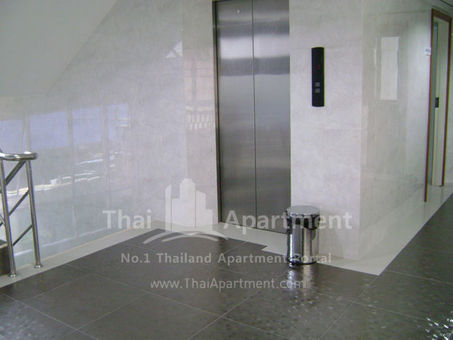 ESCAP Apartment image 7
