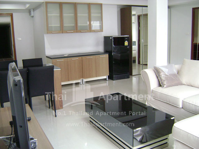ESCAP Apartment image 8