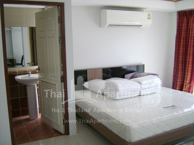 ESCAP Apartment image 11