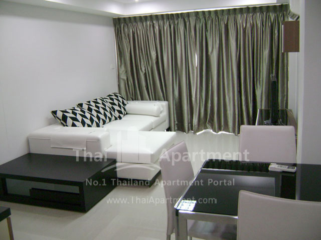 ESCAP Apartment image 16