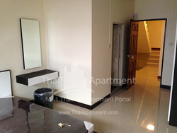 Viriya Apartment image 1