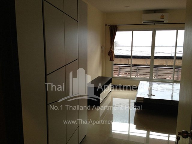 Viriya Apartment image 2