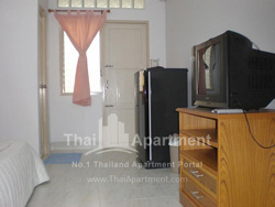 Thanaplace Apartment image 8