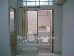 Thanaplace Apartment image 10