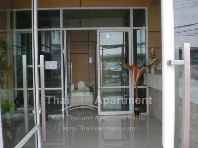 Thanaplace Apartment image 6