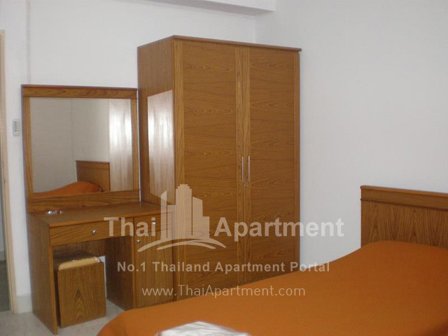 Thanaplace Apartment image 9