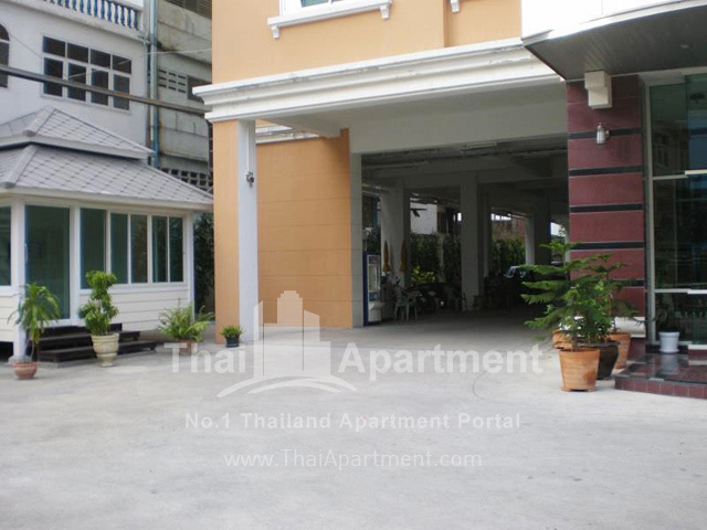 Thanaplace Apartment image 13