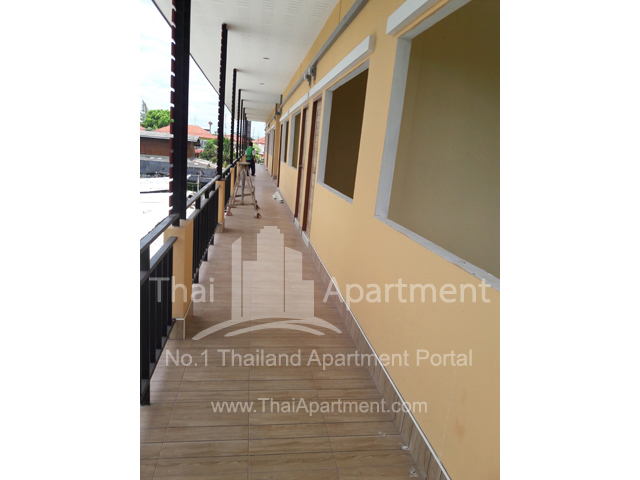 Happy House Apartment image 3