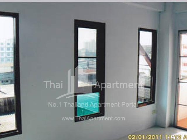 Rapee Apartment image 2