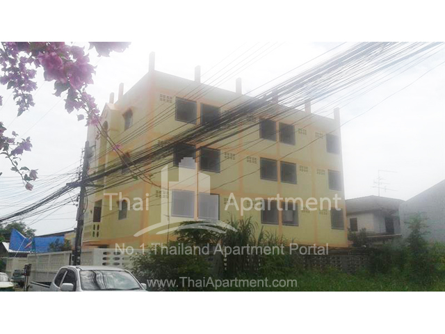 Golden House apartment image 1