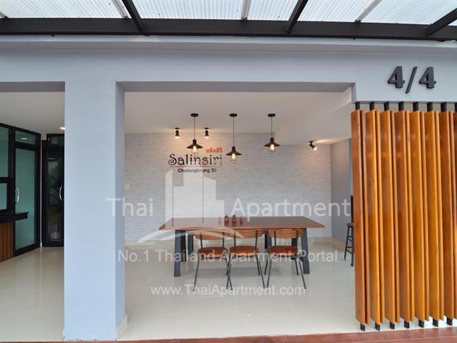 Salinsiri Apartment image 7