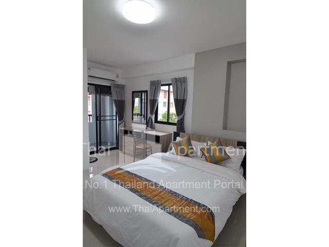 Salinsiri Apartment image 12