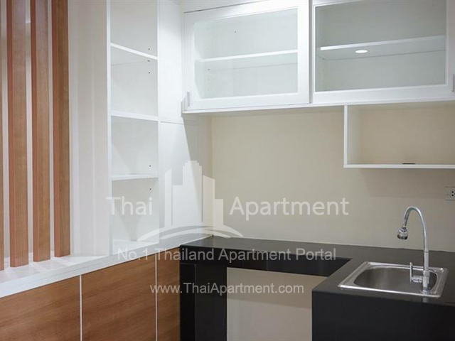 PW Apartment image 3