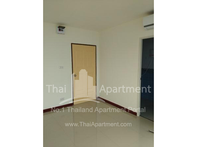IRIS Apartment image 3