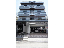 Watthanasak Apartment image 2