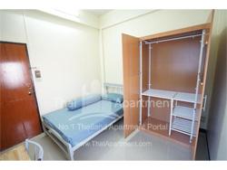 Watthanasak Apartment image 3