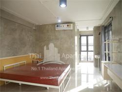 100 Plus Apartment image 3