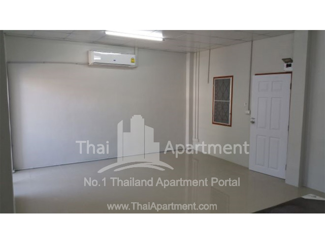 Suwimon Apartment image 4