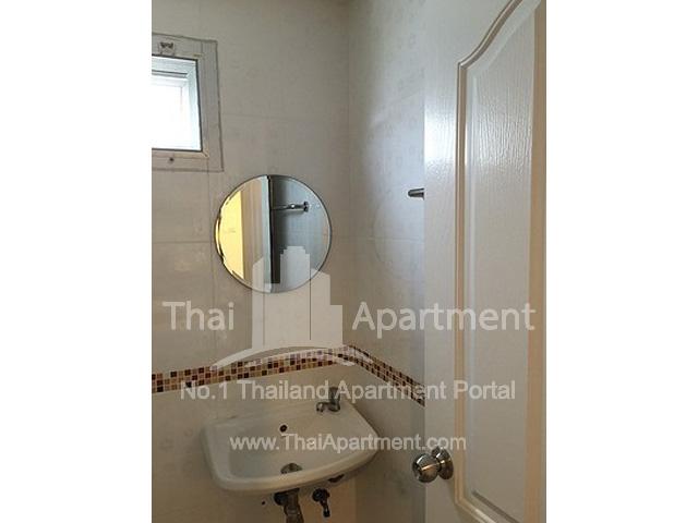 RJ Apartment image 6